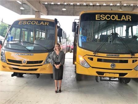 _Sento-Sé recebe novo ônibus escolar 02