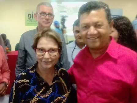Reinaldo e ministra.jpg